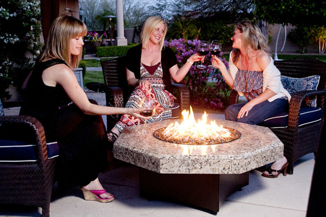 Oriflamme fire pit fire table